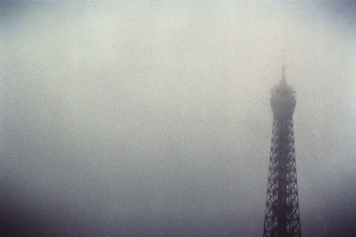 a travers la brume